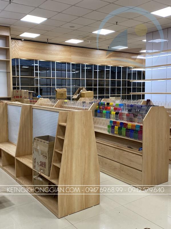 kệ gỗ trưng bày sách