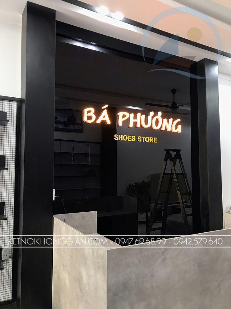 Vách logo cửa hàng