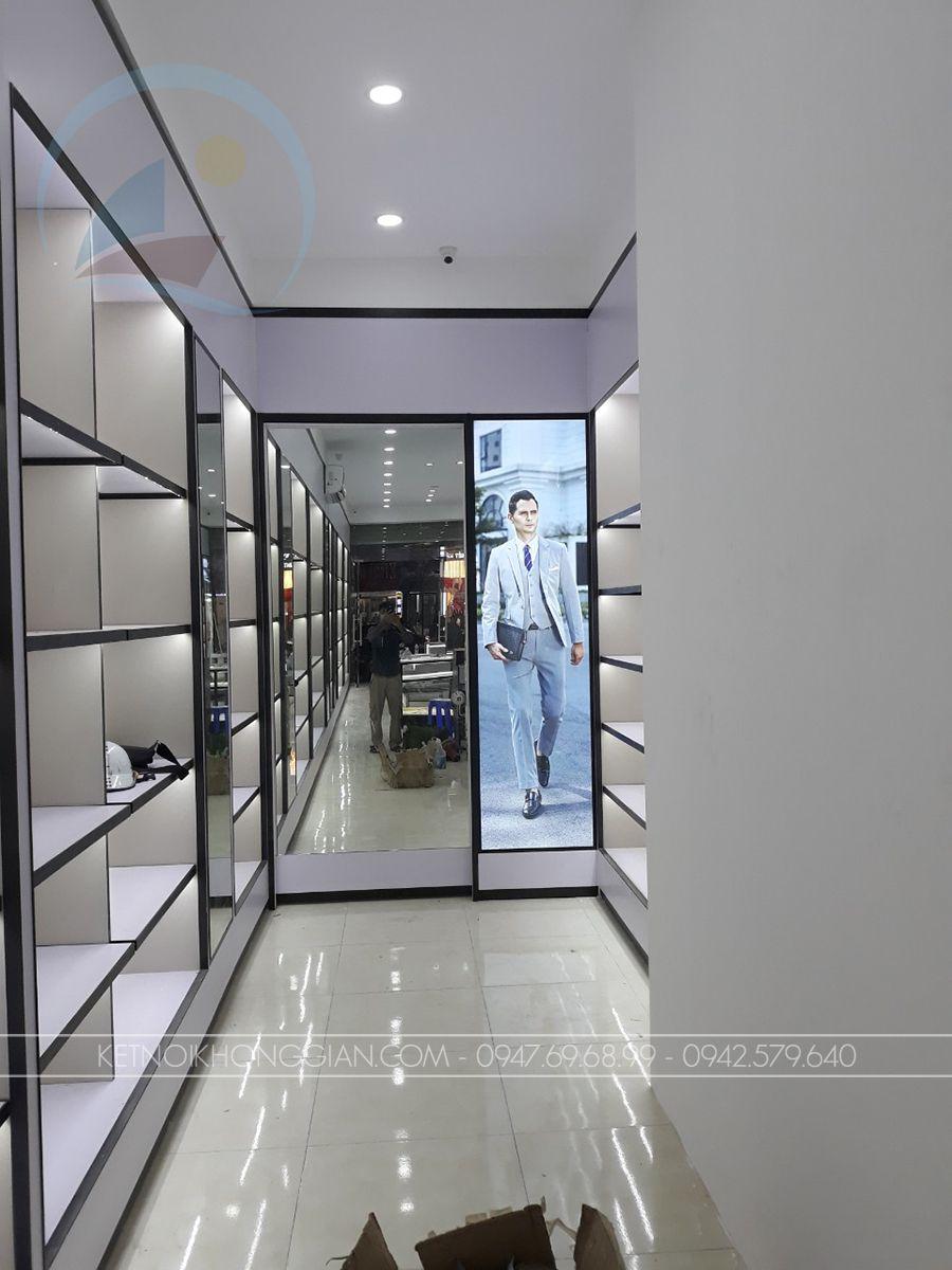 Thiết kế thi công nội thất shop túi xách