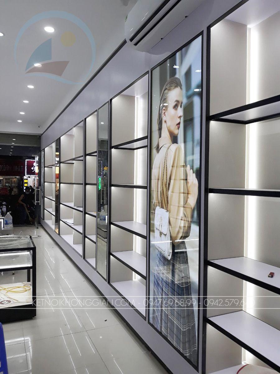 Thiết kế cửa hàng túi xách cao cấp