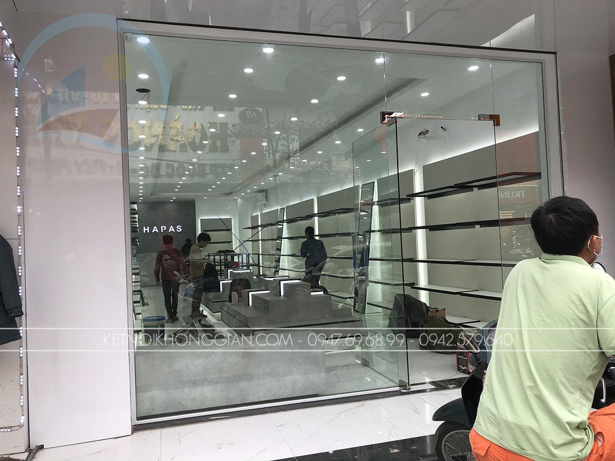 thi công nội thất cửa hàng